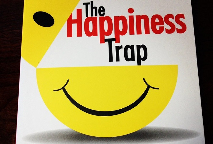 acceptance-and-commitment-therapy-happiness-trap2